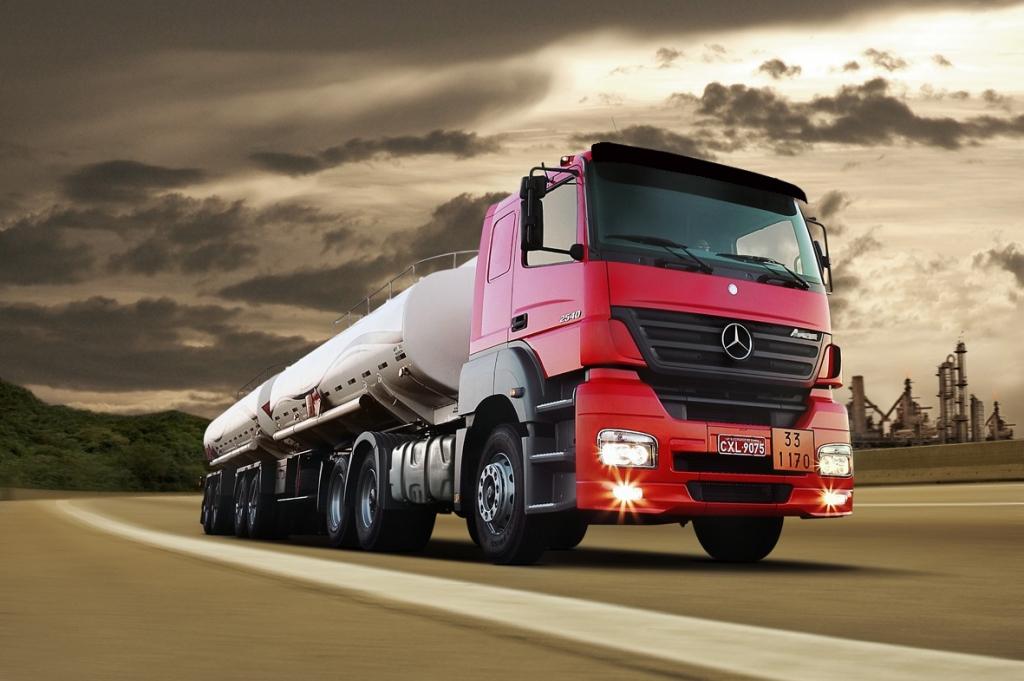 transporte rodoviário de cargas perigosas